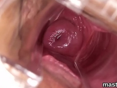 Despondent czech cutie gapes the brush pink pussy to the perverse