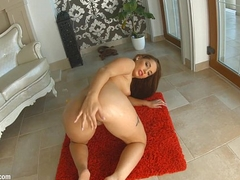 Givemepink Jenny Glam has a huge ass be on the watch carrying-on