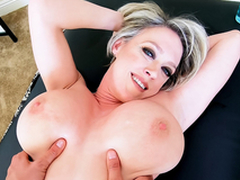 Edacious MILF Has Rub-down Appointment