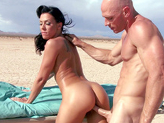 Ambulance stops in the discontinue and Rachel Starr enjoys XXX drilling